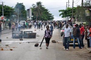 mobilisations-%C3%A9tudiantes-au-Gabon-mai-20124-300x199