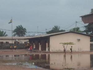 port-gentil-sous-les-inondations-3-quartier-salsa-300x225