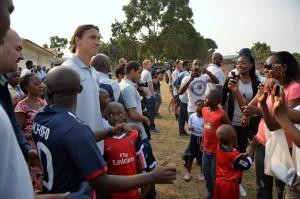 Quand Ali Bongo rêve d'être populaire au Gabon... grâce au Football Français! psg-gabon-2-300x199